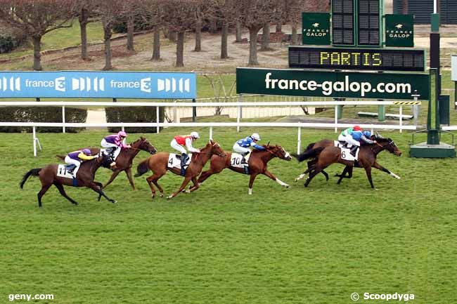 Doctor Sim takes the Prix Perigord while King Driver follows closely for fourth. (Scoopdyga)