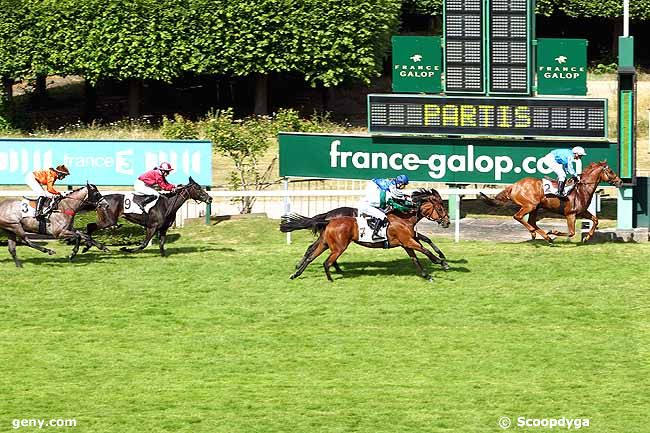 Parkori taking the Prix Duc d'Alburqurque in St Cloud, June 28, 2015.